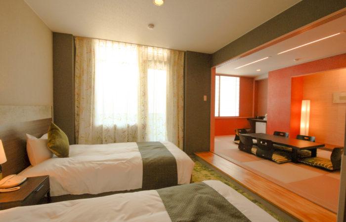 Japanese & Western Style Room (Wa Yo Room)